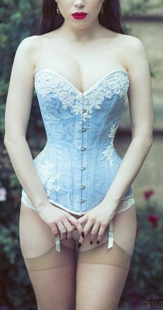46cc91227a5 I really need to invest on getting corset. Better than a girdle  ♥   hourglass  summerofsexy