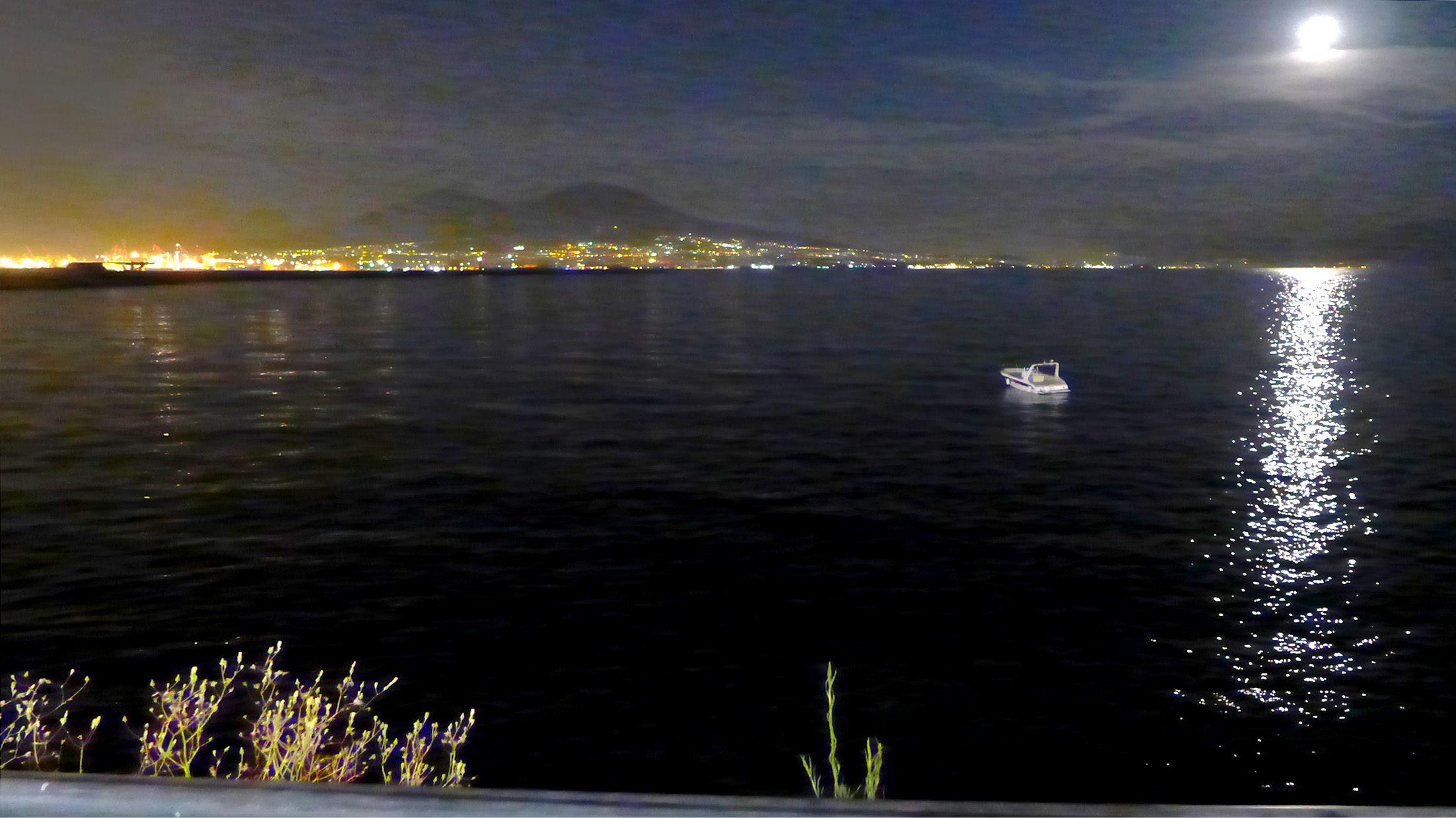 Napoli 150602-2135 by Schoendy