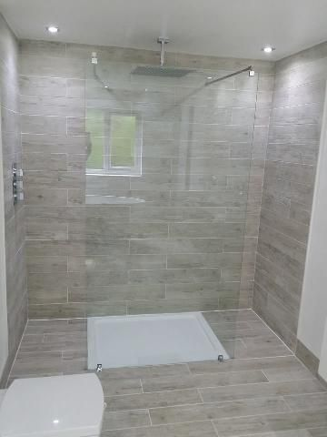 VPShareYourStyle The V10 Luxury Glass Panel looks incredible in this      VPShareYourStyle The V10 Luxury Glass Panel looks incredible in this contemporary  bathroom design by Rachel from Wrexham