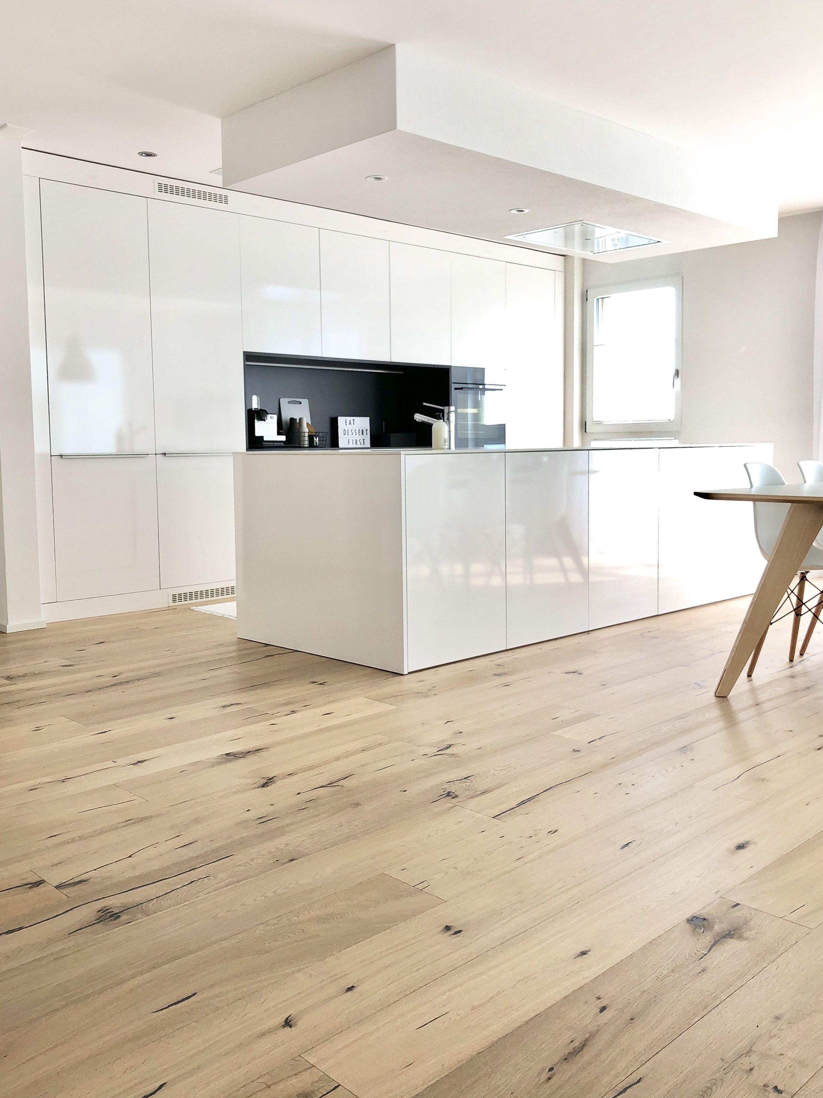 pin von mona auf kitchen | küche holzboden, küche holz