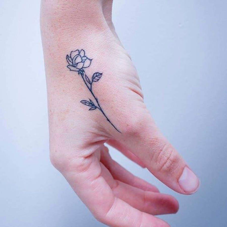 Tatouage Rose Main Fully Charged Tattoos