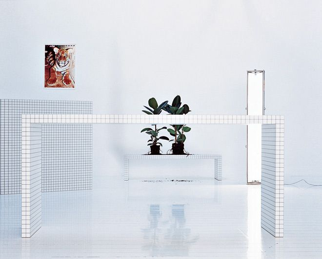 Wow! All white decor with squared sidetable.
