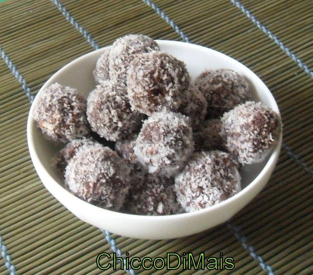 Palline al cocco e cacao ricetta veloce senza cottura for Cucinare vegano