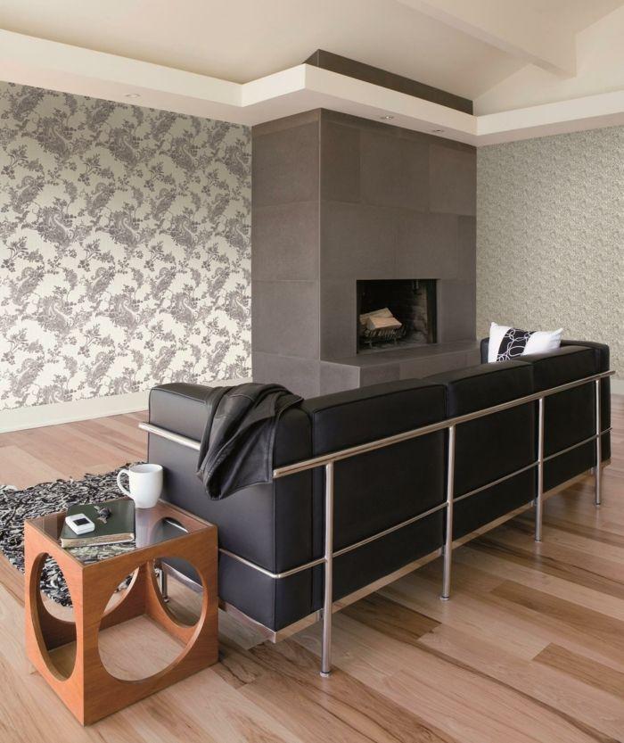 tapete muster wohnzimmer wandgestaltung moderner beistelltisch