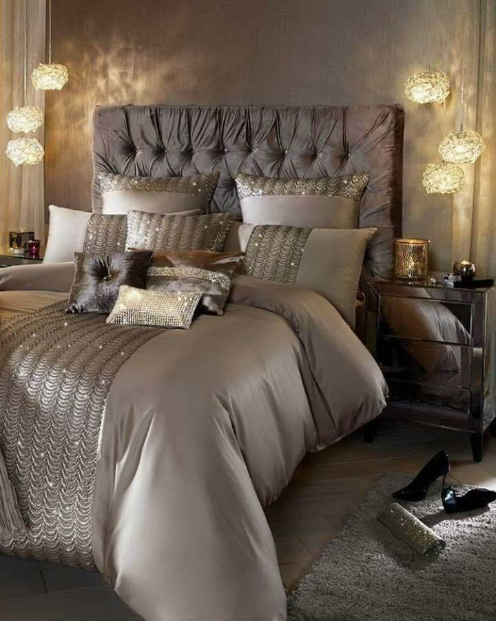 Romantic Bedroom At Night: Would Love This With Gold Glitter Paint On Background