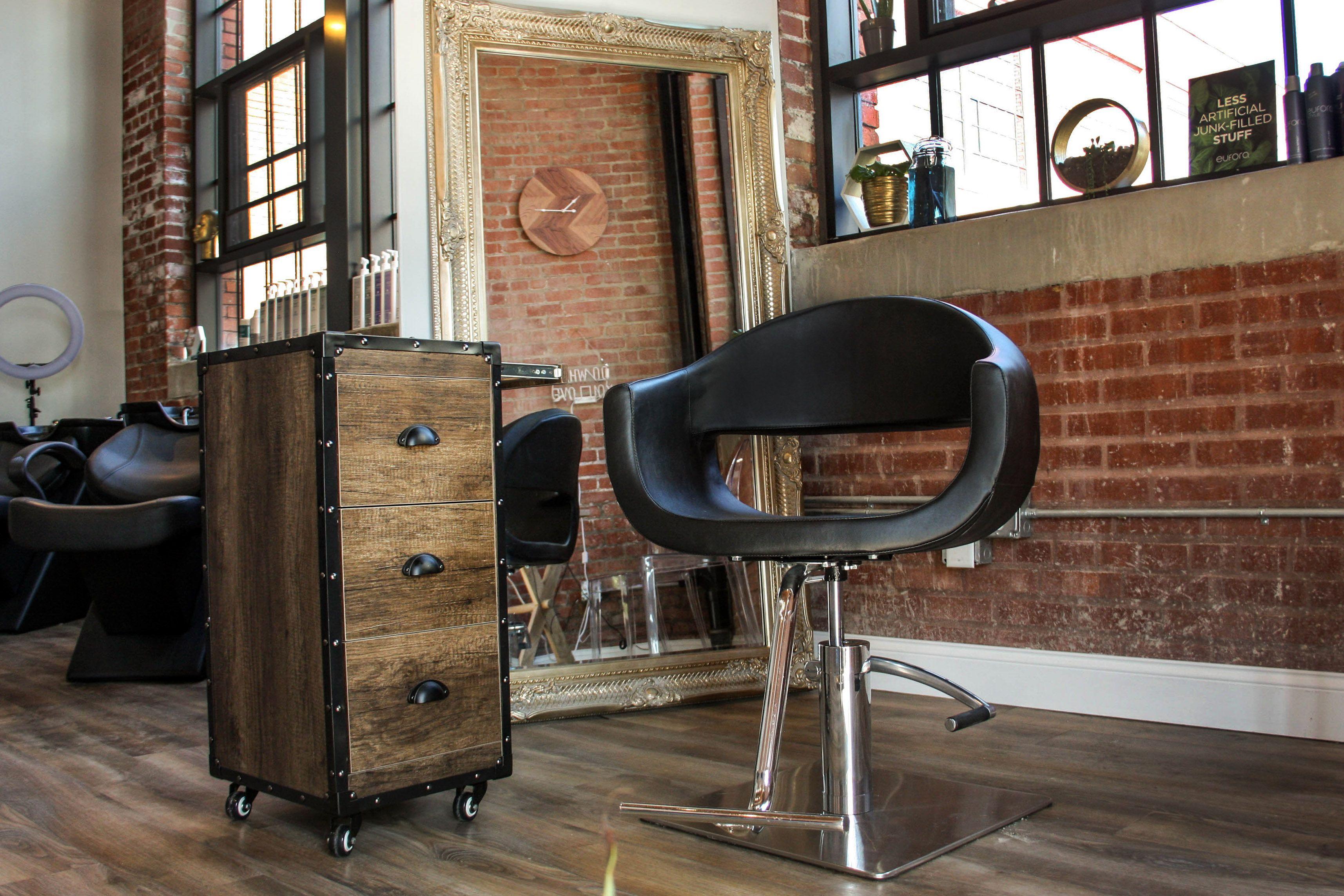 Luna Salon Chair Salon Chairs Rustic Salon Salon Styling Chairs