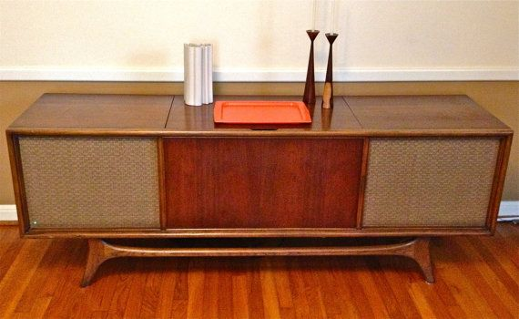 Vintage Mid Century Modern Retro Solid State Stereo Console Credenza By Rca On Etsy 80 Mid Century Modern Console Table Stereo Console Vintage Stereo Console