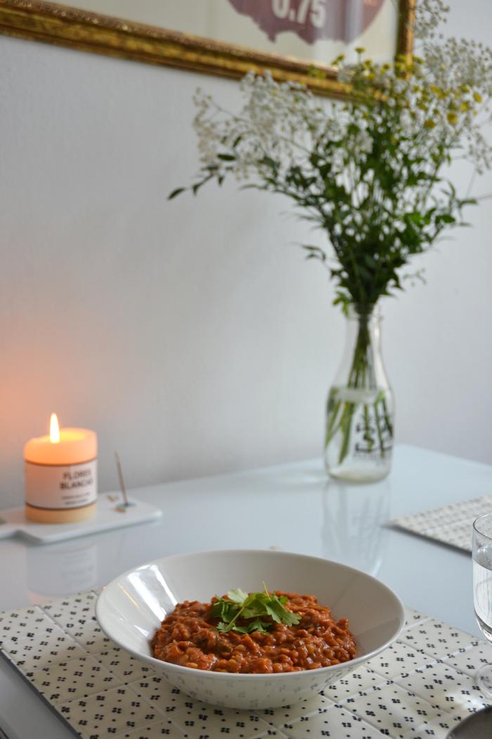 she goes with the flow: jumalten ruoka