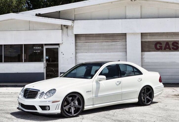 W211 Mercedes E63 Amg With Images Mercedes Benz Mercedes