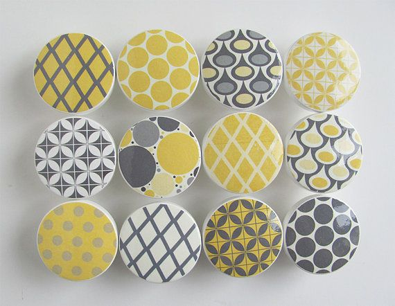 Yellow and Gray Pattern Knobs Dots Diamonds  Wood par LeilasLoft,