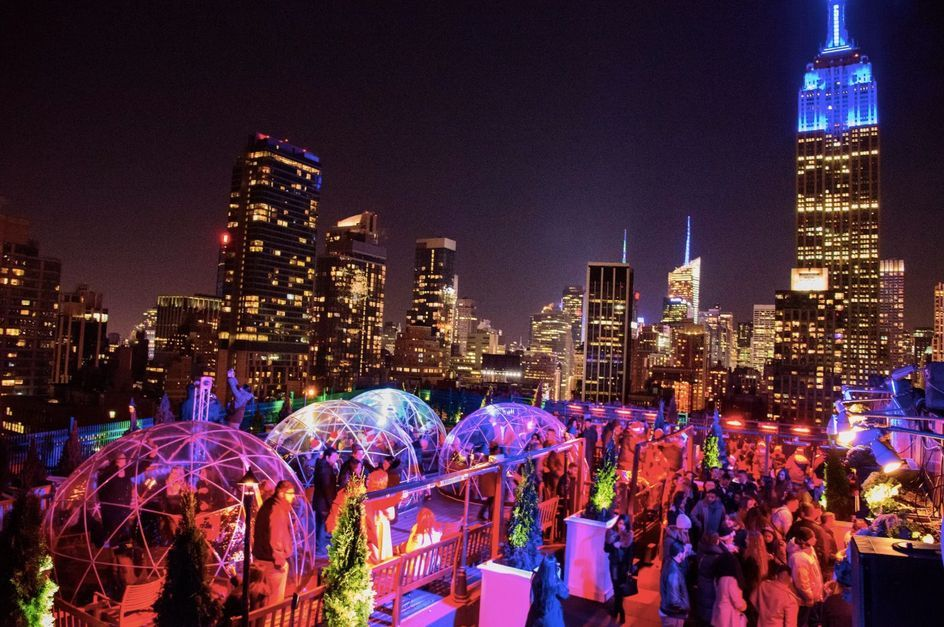 7 Nyc Winter Rooftop Bars Igloos Fire Pits Cozy Blankets More Rooftop Bars Nyc Nyc Rooftop Nyc Bars