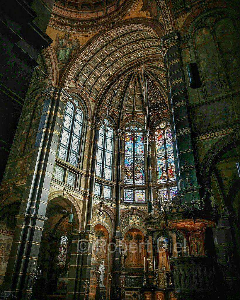 Church interior at Sint Nicolaaskerk in Amsterdam. | by Robert Diel