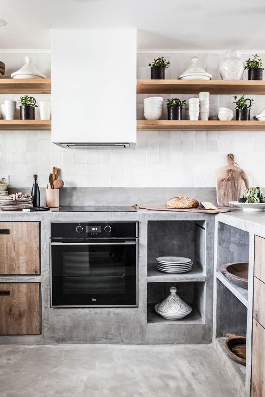 Una Cocina De Obra Abierta Al Salon Cocinas Rusticas Cocinas De