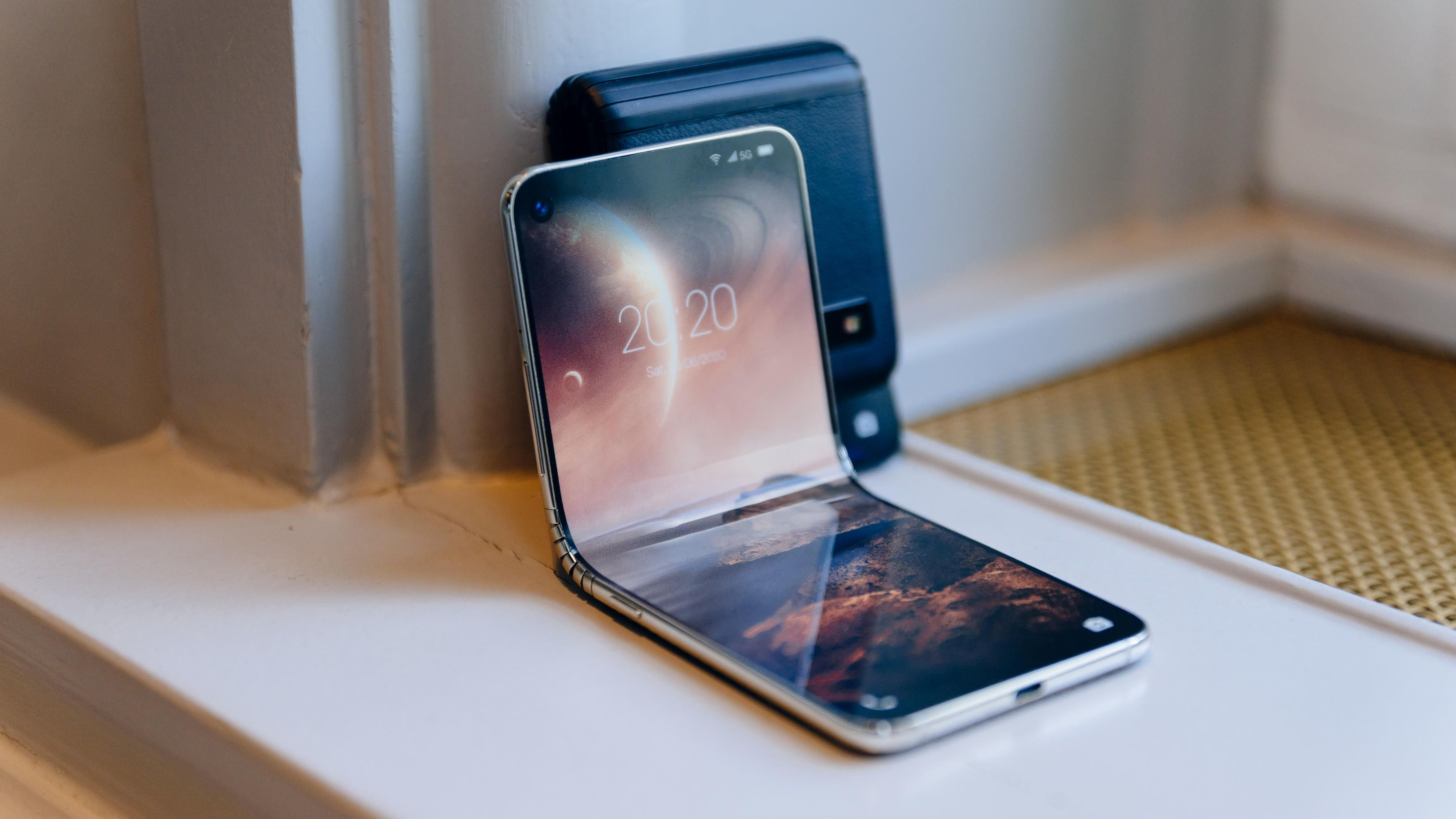 Samsung Galaxy Fold 2 Design Concept With Rotating Camera Specificationsprice Launch Date 6 6inch Amoled Display 8incham Galaxy Concept Design Samsung Galaxy