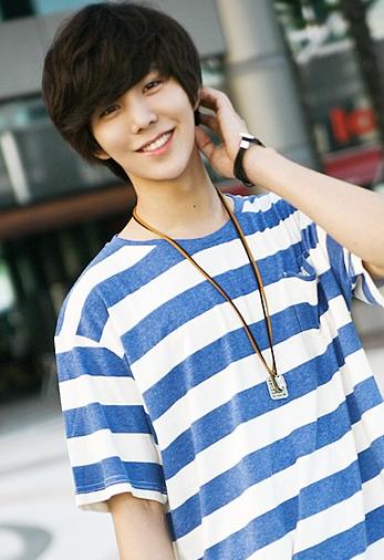 Hot Asian Teen 347 Views