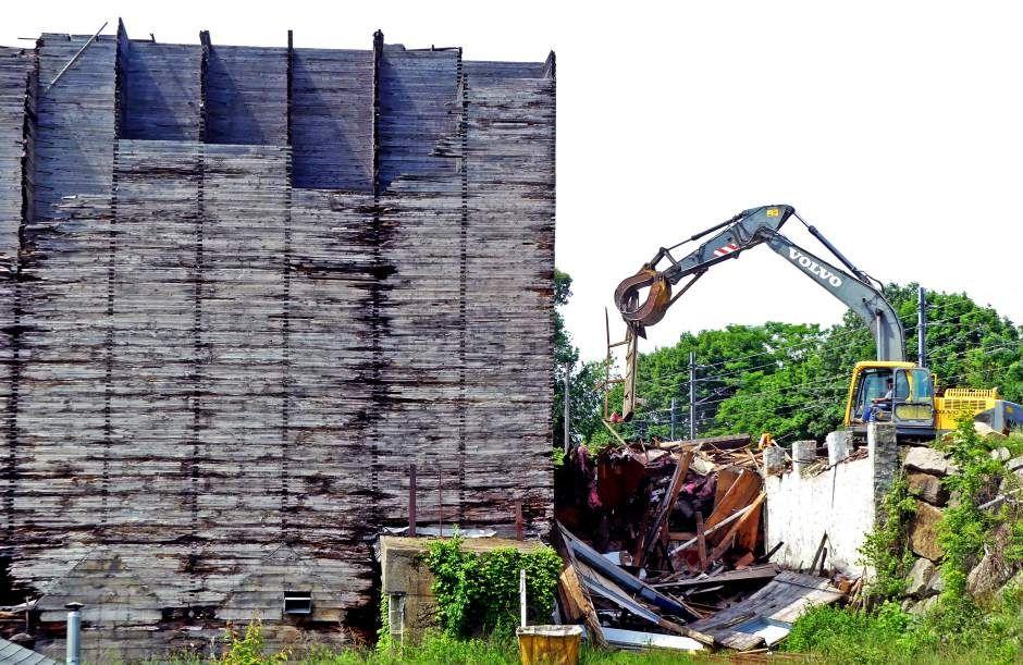 Wood Frame Commercial Building Demolition Jacksonville
