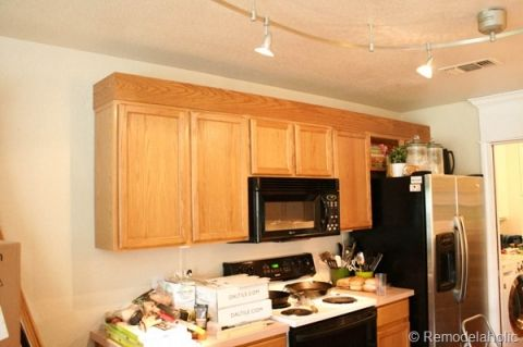 Upgrade Oak Kitchen Cabinets With Crown Moldings 7