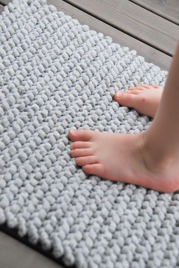 simple rug with zpagetti yarn home decoration pinterest stricken teppiche und stricken h keln. Black Bedroom Furniture Sets. Home Design Ideas