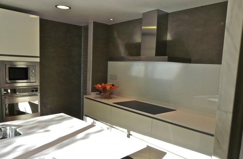 propuesta de revestimiento para paredes y suelo con microcemento
