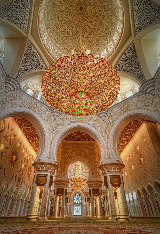 Sheikh Zayed Mosque of Abu Dhabi has one of the biggest and most beautiful chandeliers of the world.