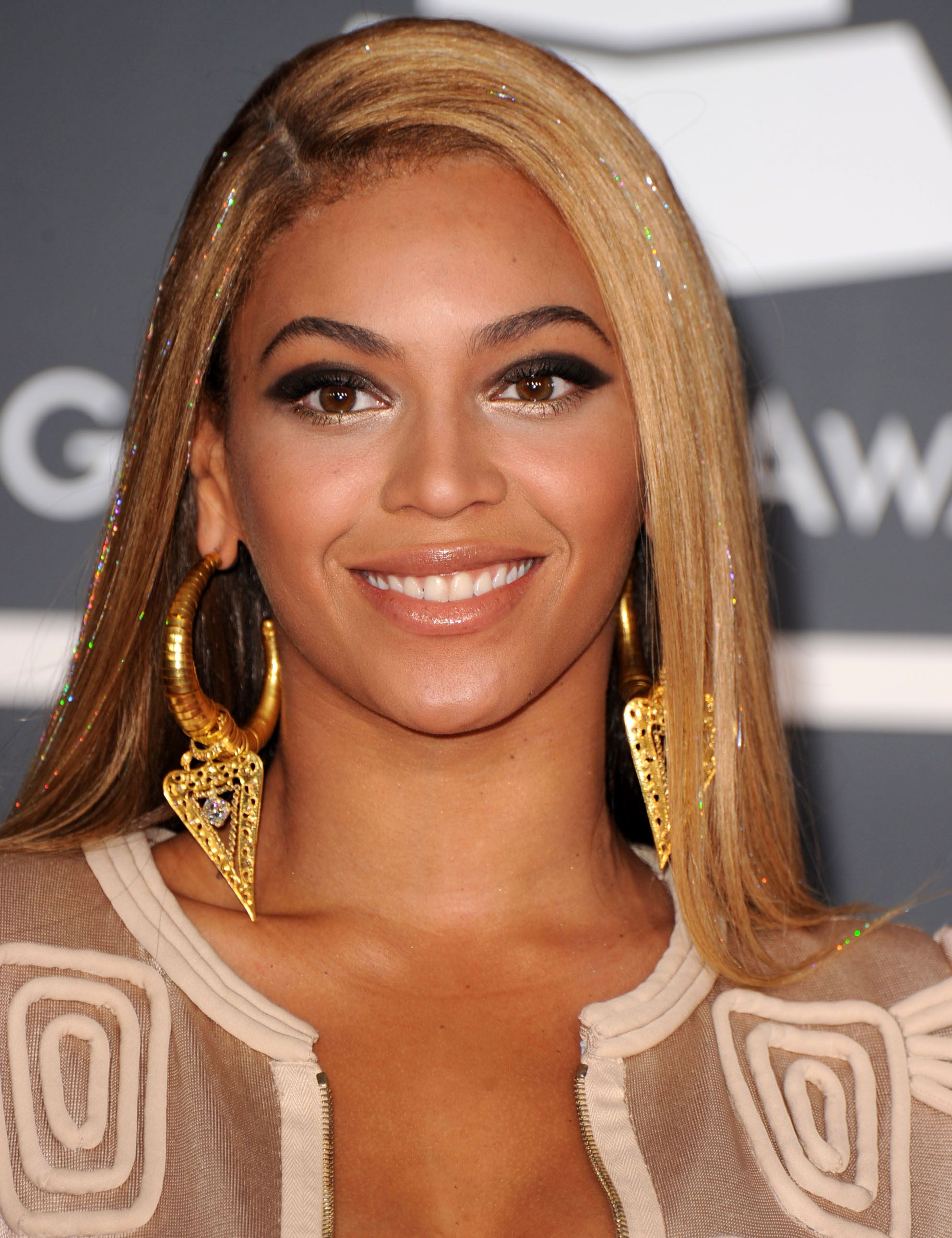 Beyonce 2000's | Makeup | 2000s hairstyles, Beauty trends ...