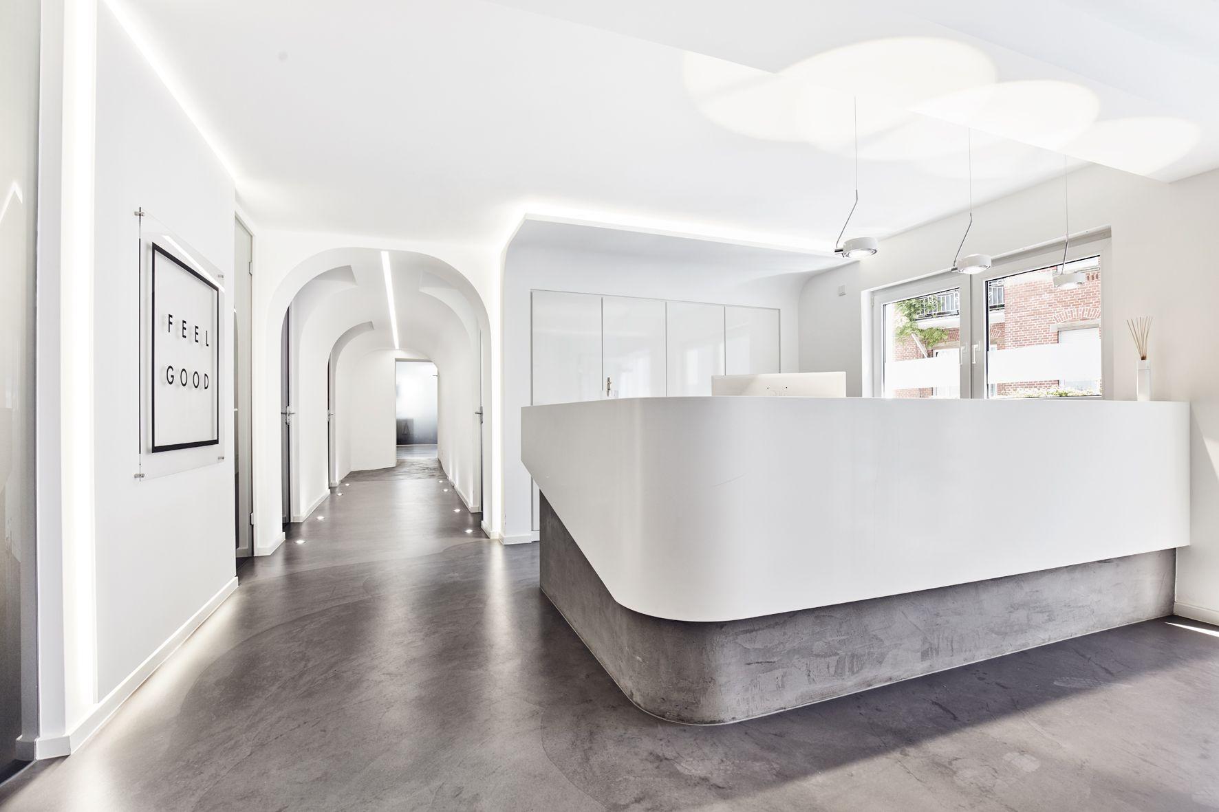 Mann Mobel Empfangstheke Passt Sich Wunderbar In Die Architektur Ein Empfangstheke Architektur Theken