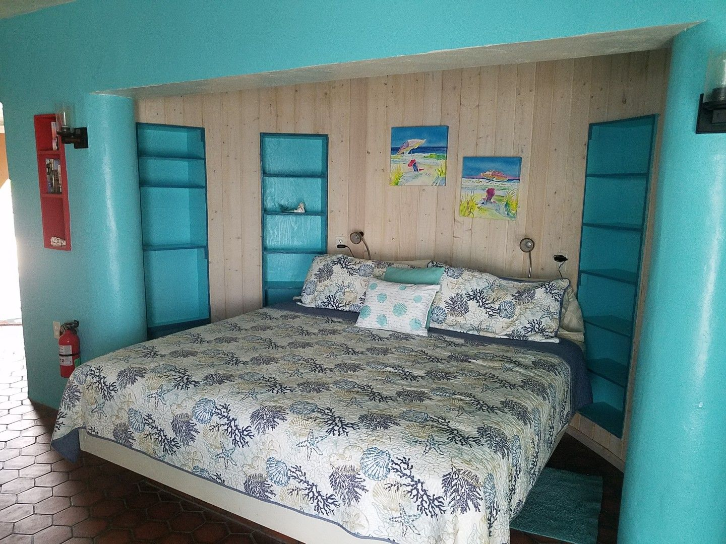 Barnacle bed and breakfast in Deer Key Home decor, Bed