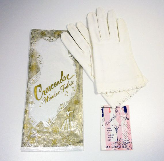 Crescendoe Gloves White Cotton Polka Dot Design Size 7 New Old Stock Vintage Accessories