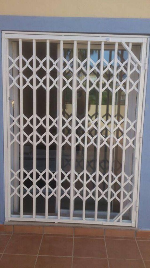 De sola artesan a cerrajer a de hierro en alicante for Construccion de escaleras de hierro