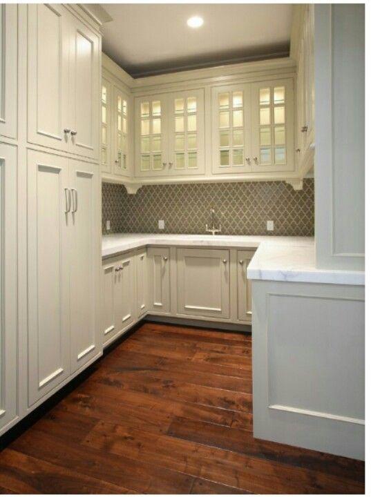 Gorgeous butler's pantry. Love the backsplash!