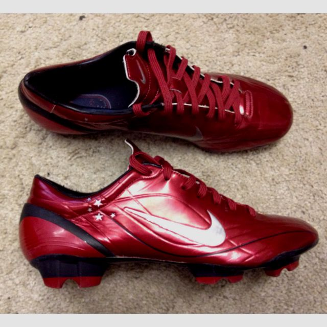 cheaper 68cd1 f32d4 Nike Mercurial Vapor II R9 Orange Blaze The Nike Mercurial Vapor III football  boots arrived on pitches in 2006 and were worn predominantly Nike Mercurial  ...