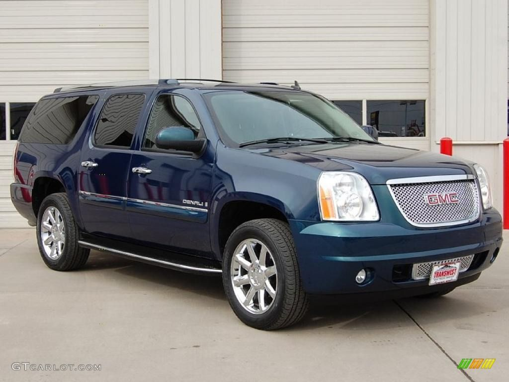 2007 deep blue metallic gmc yukon denali awd