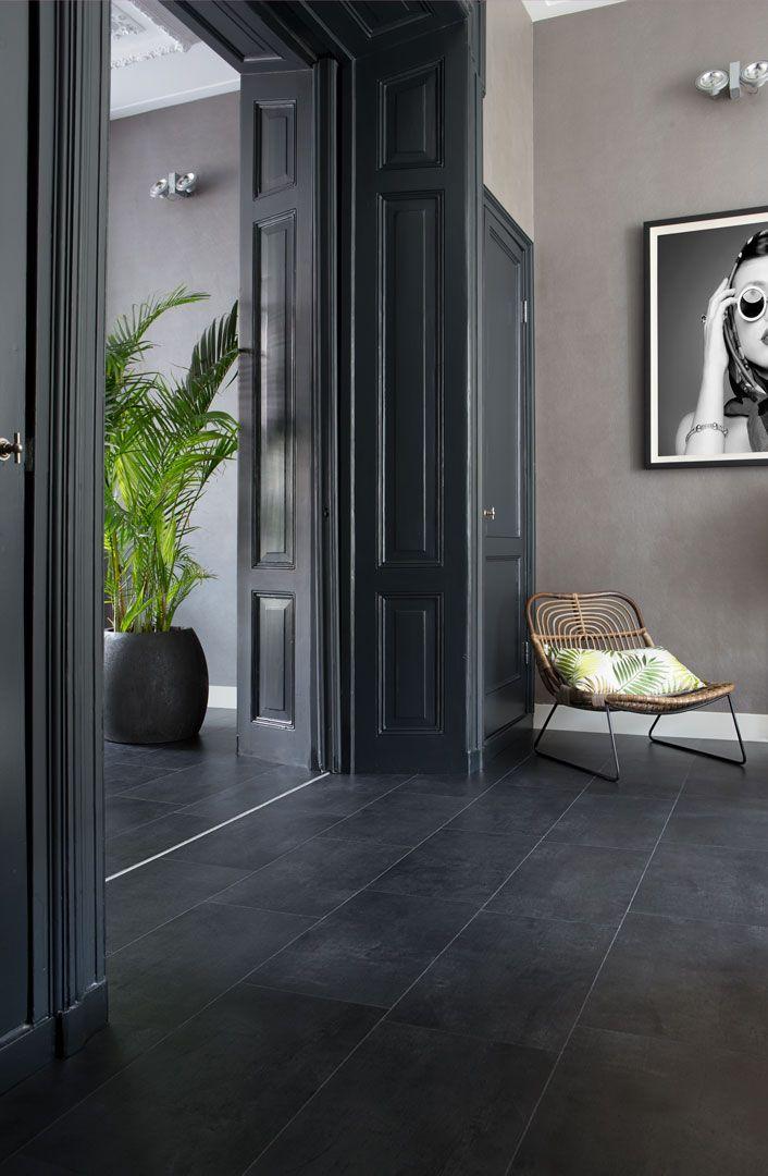 bilder von modernen möbeln diese dunkle fliese hat einen subtilen metallischen glanz und lässt sich wunderbar mit modernen möbeln kombinieren