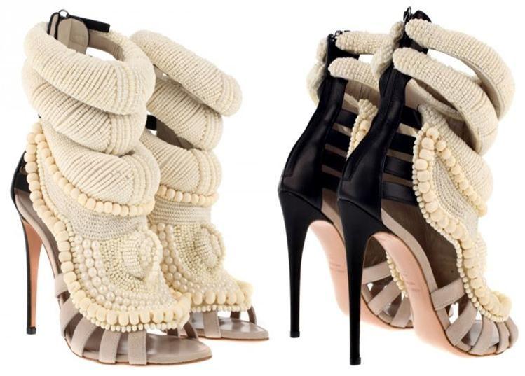 La Plus Chaussures Chère Paire De Mes MondeA Du Petons Nvm8w0nO