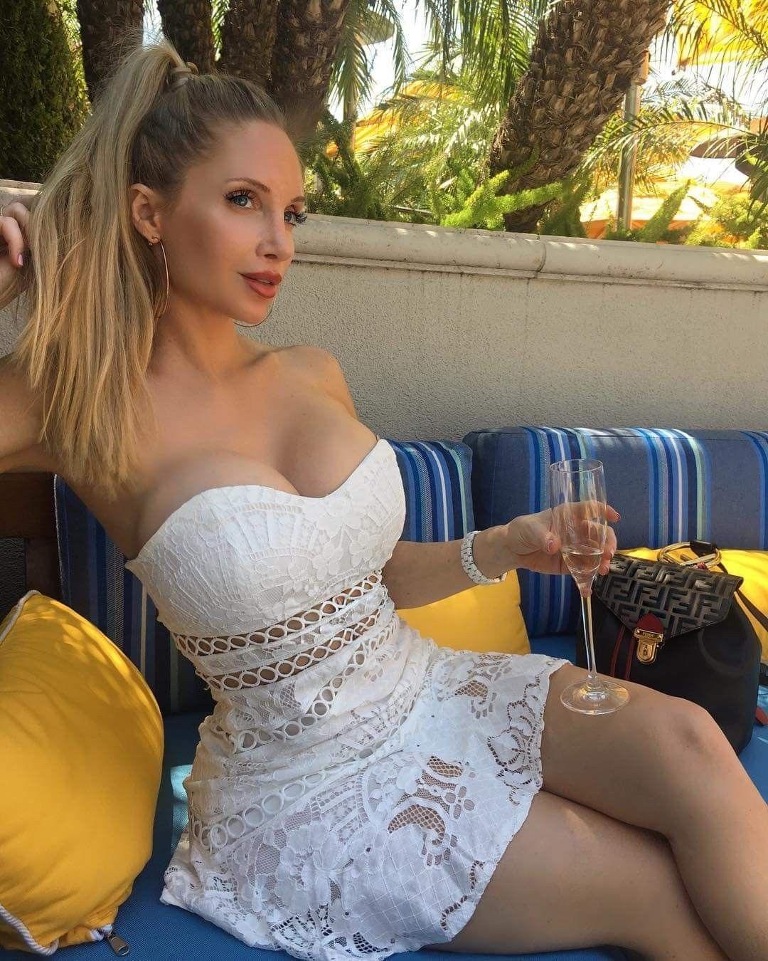 Amanda Lee Boobs amanda lee en vestido veraniego | amanda lee, amanda