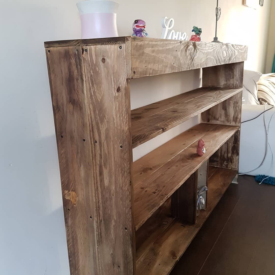 Upcycled pallet wood book case. #pallets #palletwood # ...