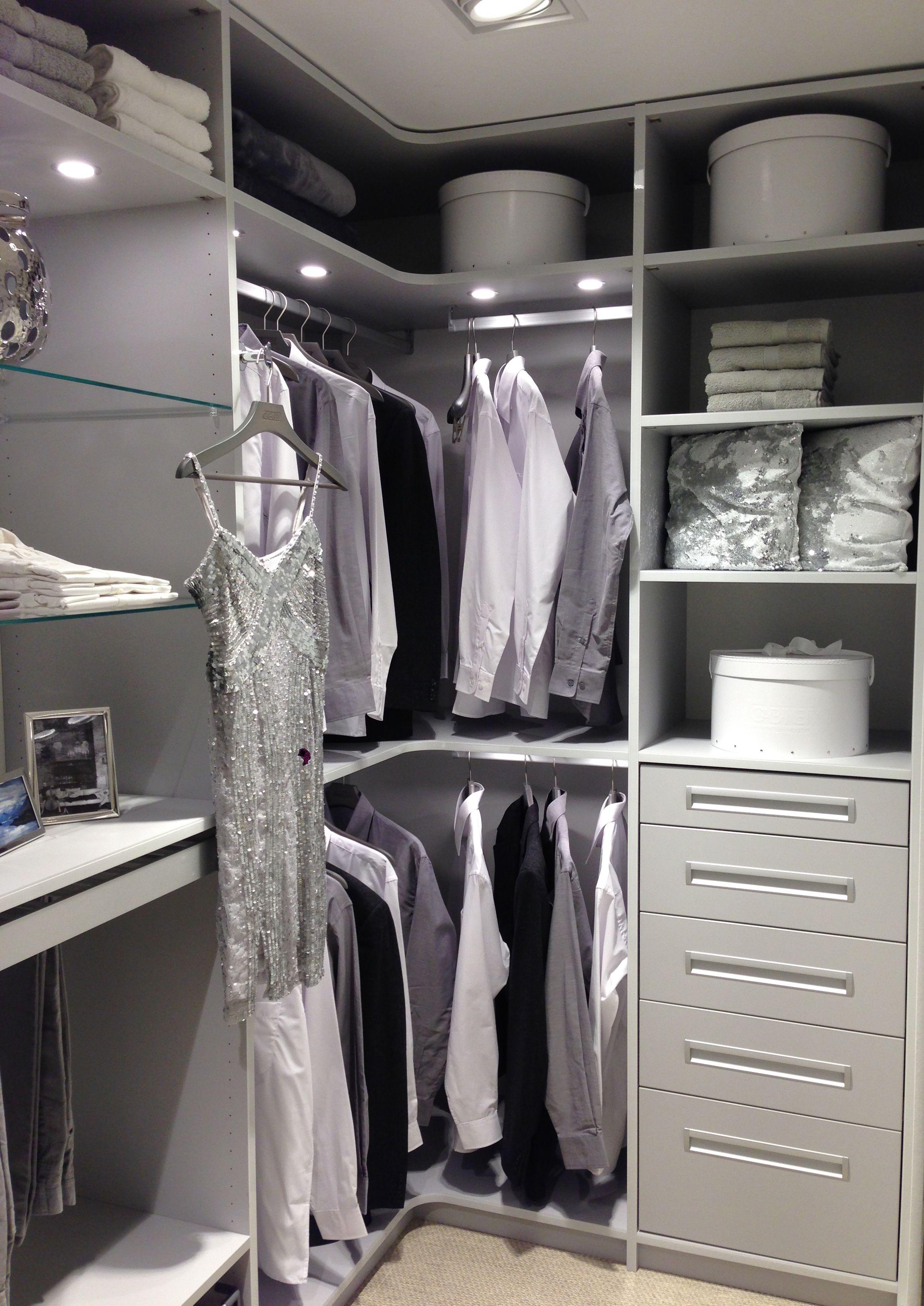 Begehbarer Kleiderschrank individuell gestaltet von CABINET ...