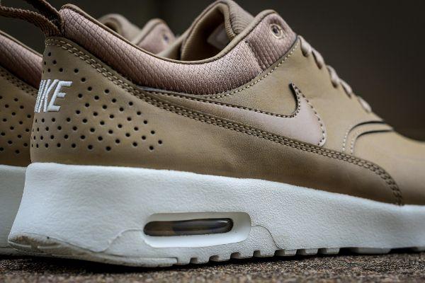 Nike Air Max Thea Desert Camo | Thé air max, Nike