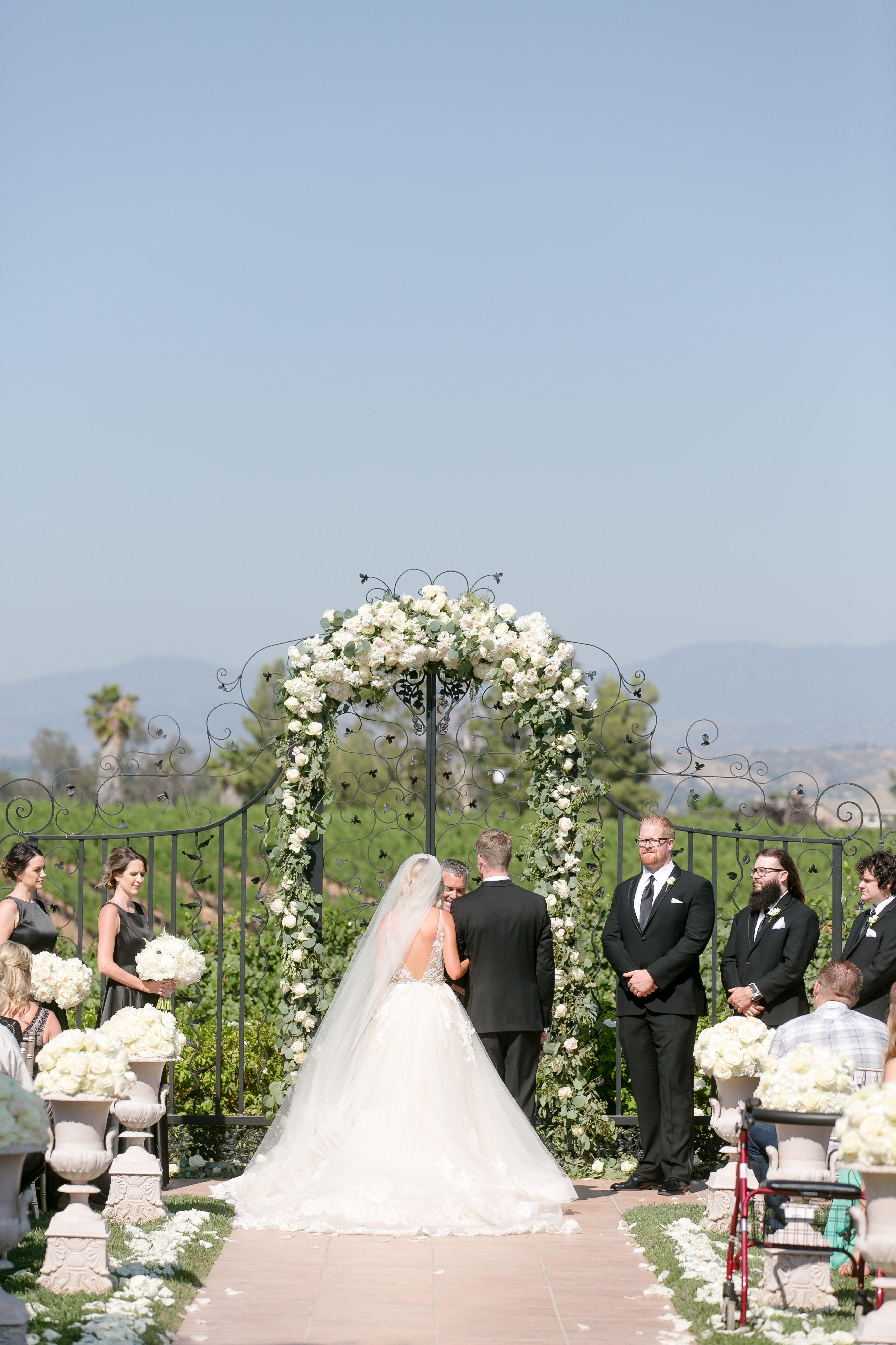 Pin by Villa de Amore California Wedd on Ceremony Setting
