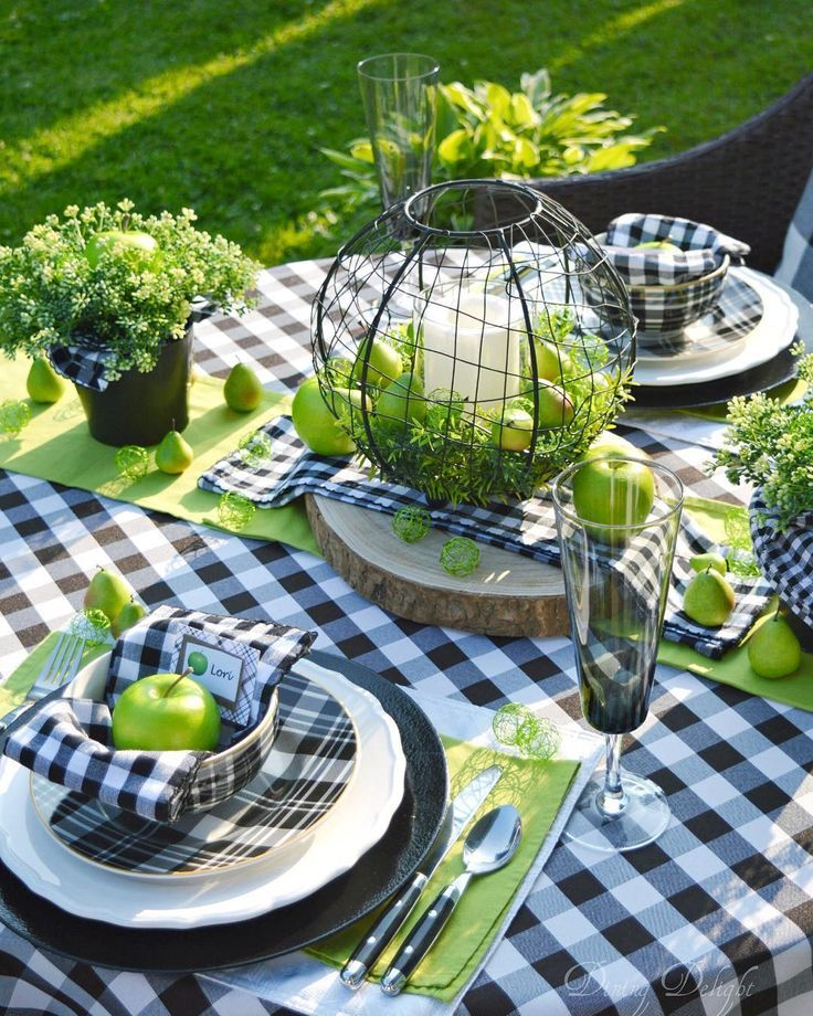 Apple green and buffalo check made for a striking tablescape for our al fresco dinner last evening. ????The beautiful summer weather helped too! ☀️ I'll have a blog post with more pics of this tablescape soon but in the meantime, you can see more (video) on my saved highlights. #gedecktertisch