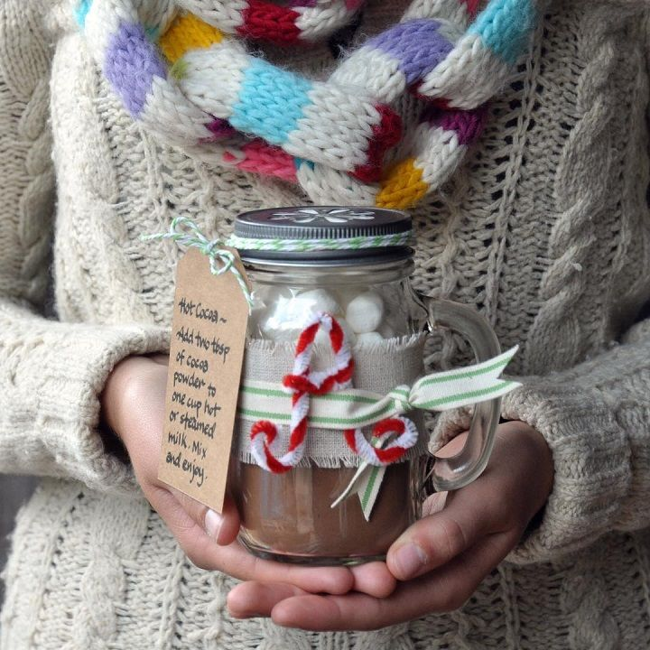 Winter hot cocoa mix great for winter wedding favor | fabmood.com #winterfavors #wedding #favors