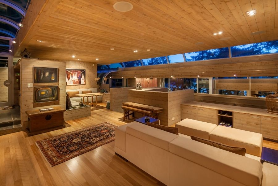Amazing seaside vacation home situated in north saanich british columbia canada