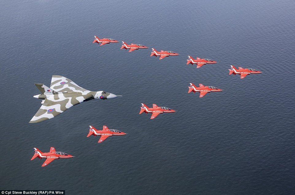 Royal Air Force Red Arrows bid farewell to Vulcan bomber