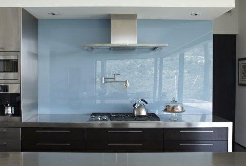 Wohnideen Küche Glasrückwand glanzvoll farben leuchtend blau hell - fliesenspiegel glas küche