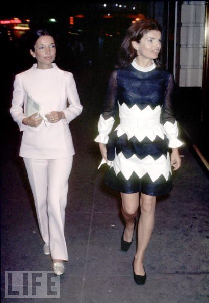 25deee8dcbd7 loveisspeed.......  Lee Radziwill ...Stylish sister of the old first ...