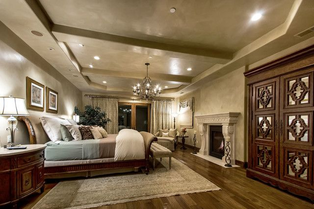 16 Elegant Mediterranean Bedrooms That You Wouldn T Want To Leave Tuscan Bedroom Tuscan Style Bedrooms Tuscan House