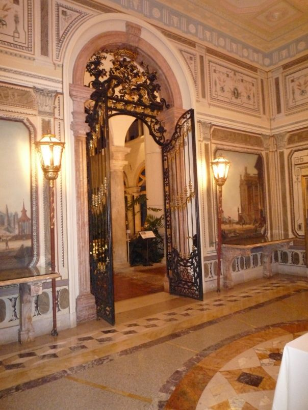 HISTORIC HOUSE TOUR Inside Miamis Vizcaya Entryways Amp Windows House Tours Classical