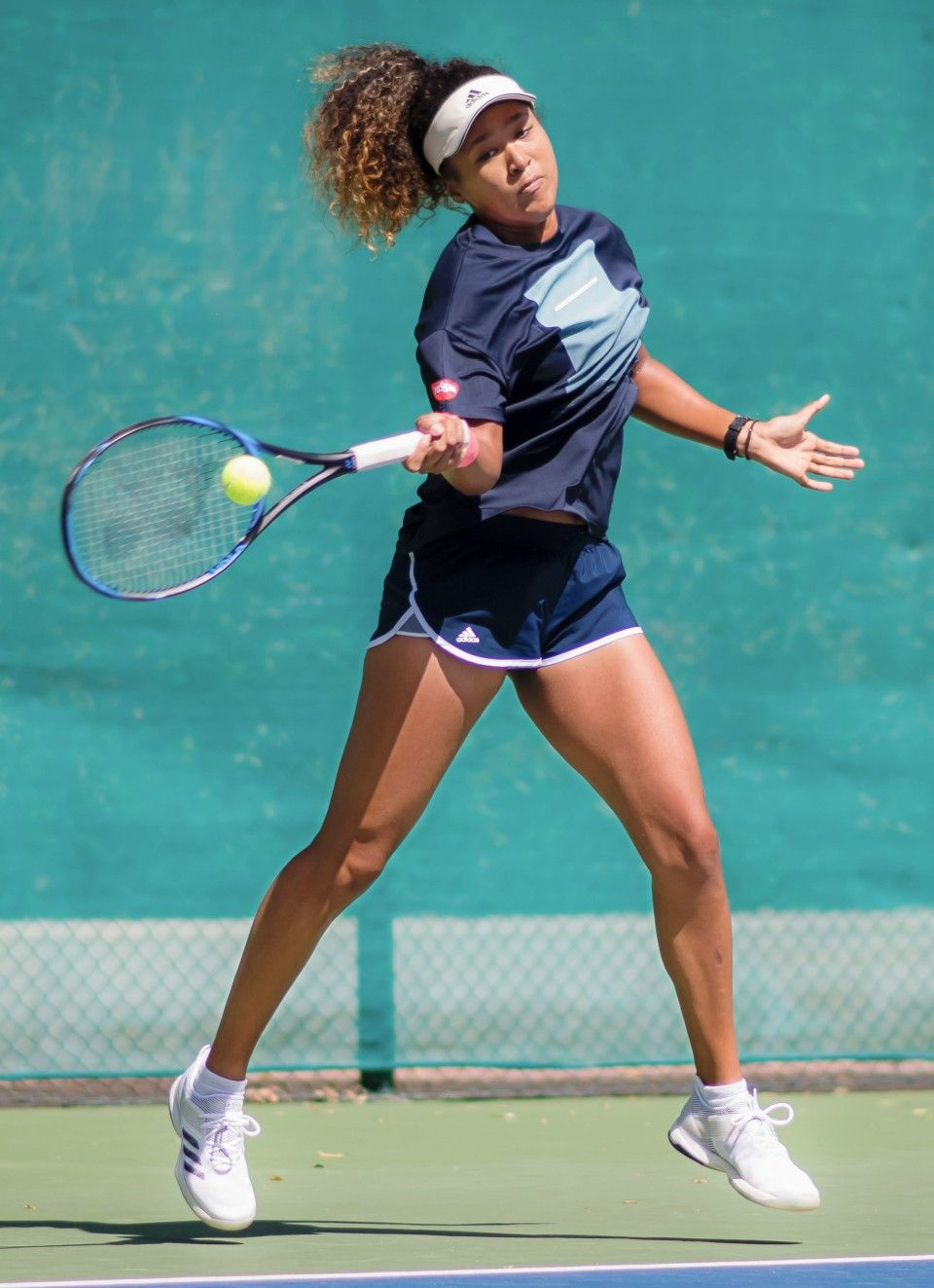 World Top Tennis Player Naomi Osaka Wins Laureus Breakthrough Prize Tennis Players Female Tennis Clothes Tennis Players
