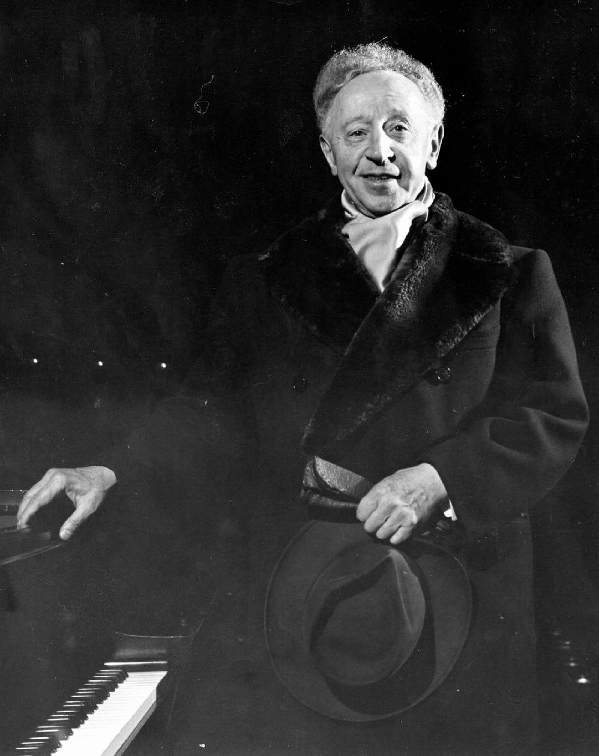 Arthur Rubinstein With Images Music History Classical Music