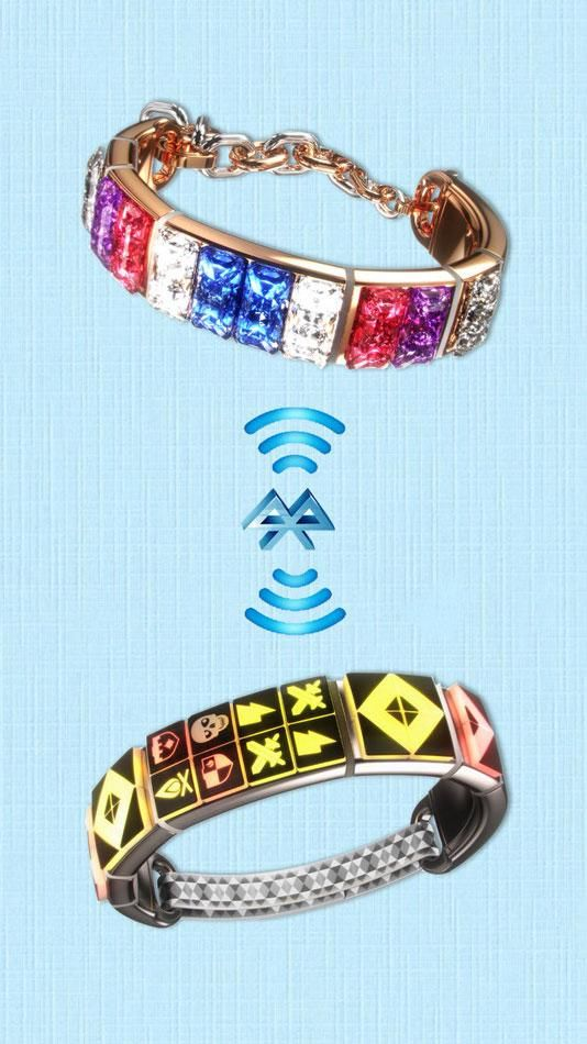 These customizable smart friendship bracelets sync with one another to tell you when your BFF is near